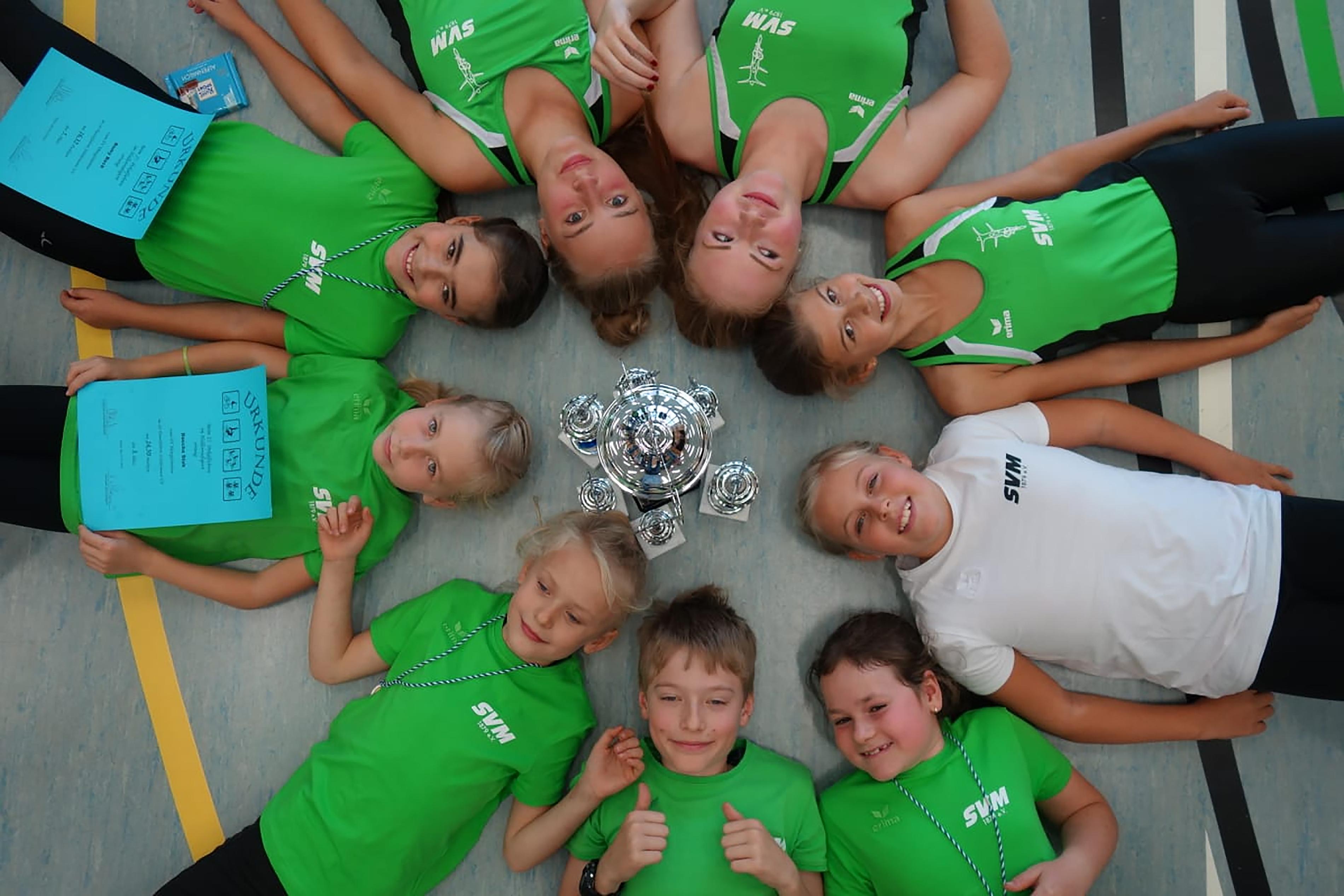 SVM-Kunstradfahrer holen Pokal